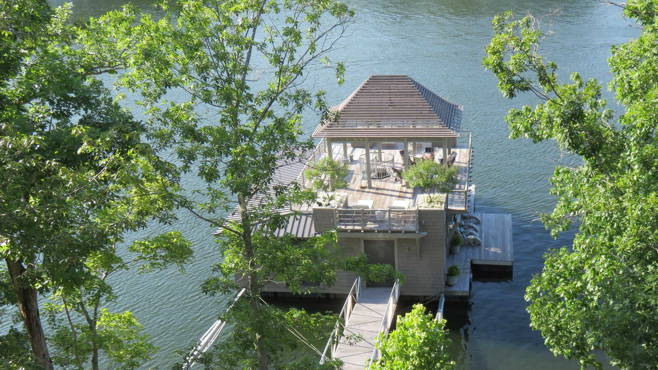 boat house renovation on lake